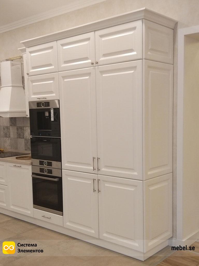 Фотография белой кухни в стиле Provence